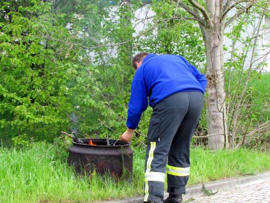 An der Feuerwehr in Wünschendorf an der Elster
