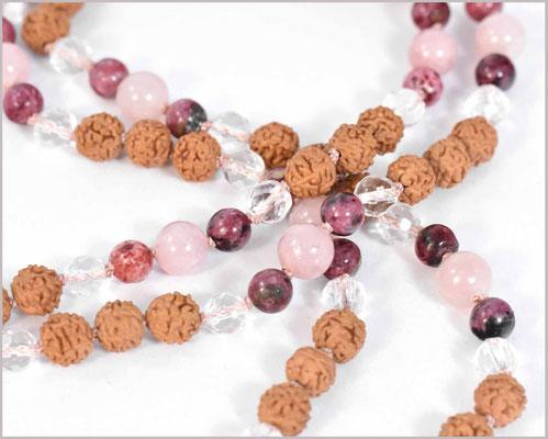 Mala Kette mit Rhodonit, Jade und Bergkristall Edelsteinen kombiniert mit Rudraksha  - Astikya-
