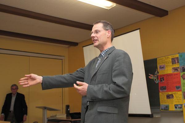 Dr. Frank Wilschewski hielt einen Vortrag über die slawische Besiedlung Ostholsteins im 11. und 12. Jahrhundert n. Chr.