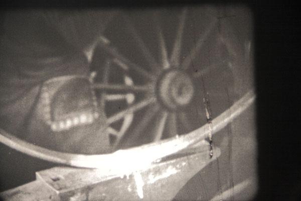 Eine gute Zusammenarbeit mit dem Schmied war gefragt - er musste das eiserne Laufrad fertigen und um das Holz legen