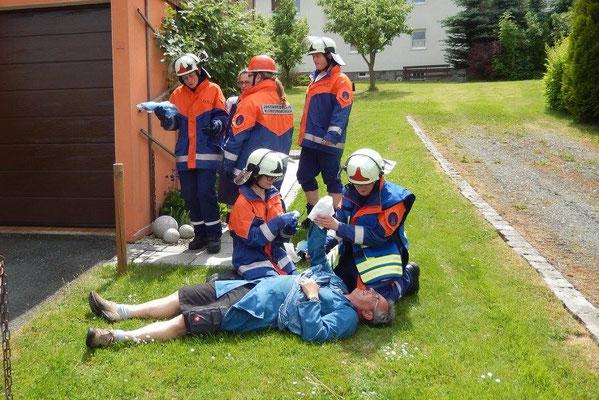 Erste Hilfe Maßnahmen nach Arbeitsunfall
