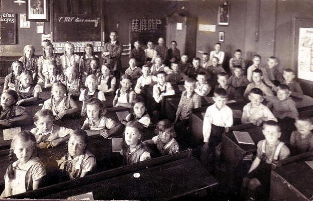 Im Klassenzimmer vom alten Schulhaus
