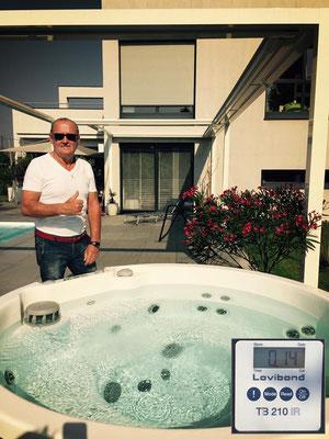 Hot tub filter in an Artesian Spas 627M