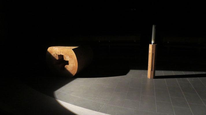 Altar und Osterkerze - Illumination Gregor Linßen, 2015