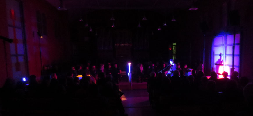 Blaues Tor Rotes Kreuz - Illumination Gregor Linßen im Konzert, 2015