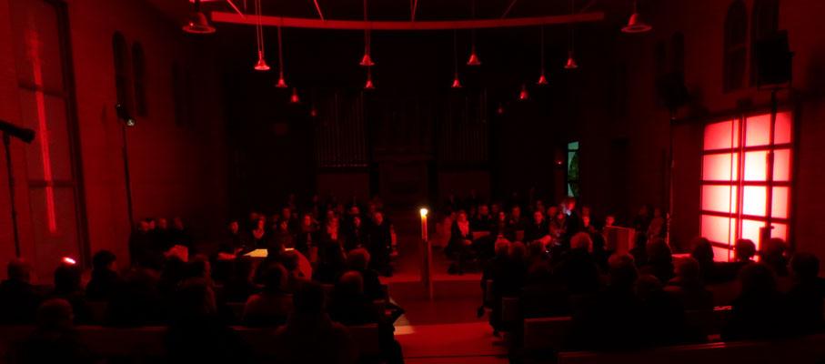 Rotes Tor Rotes Kreuz - Illumination Gregor Linßen im Konzert, 2015