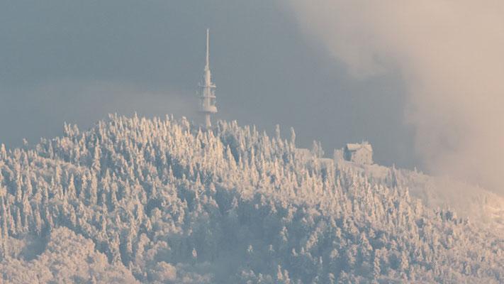 Le sommet du blauen au 300mm à 15 km à vol d'oiseau.