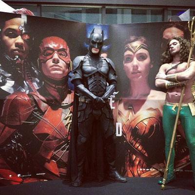 Unsere Superhelden in Stuttgart im Überblick: Batman & Robin, Spider‐Man, Deadpool, Aqua Man, Wonder Woman, & Captain America sind aktuell verfügbar! Die Bilder sind von den Künstlern und sehen auch vor Ort so aus! Als Eyecatcher und für Fotoshootings!