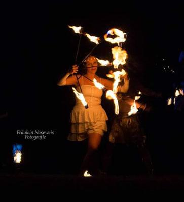Feuershow in Stuttgart, Feuershow in Esslingen am Neckar, Feuershow in Stuttgart, Reutlingen, Feuertanz, Tübingen, Metzingen, Leonberg, Sindelfingen, Böblingen, Ludwigsburg, Feuertanz in Stuttgart, Feuershow für Hochzeit, Geburtstag, Firmenfeier t