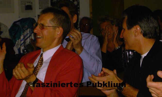 Der Bauchredner Berlin hat schon in der ganzen Welt seine einzigartigen Show gezeigt. Tauchen Sie für einen Moment in eine andere Welt ein und lassen sich teiben von Spaß und Freude. Mit seinem Schneemann bringt er die Gäste zum Lachen und Grübeln.