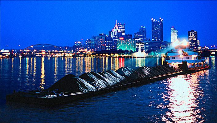 Kohlefrachter auf dm Ohioriver vor Pittsburgh,Jürgen Müller