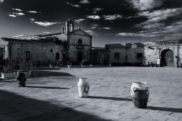 Piazza Regina Margherita, Marzamemi, Sizilien,Fotografie Jürgen Müller