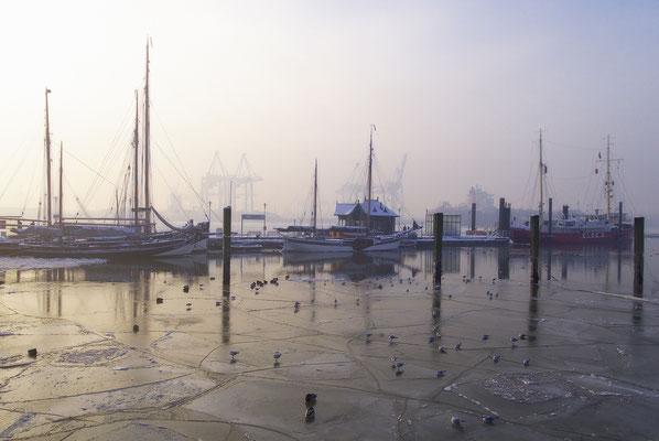 Museumshafen Oevelgönne, Hamburg, Landschaftsfoto von Jürgen Müller