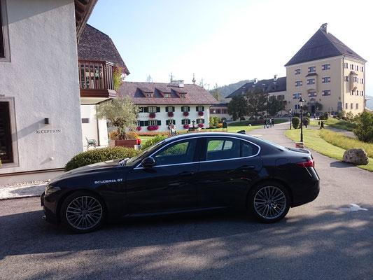 Alfa Romeo Giulia Shuttlecar Hotel Schloß Fuschl