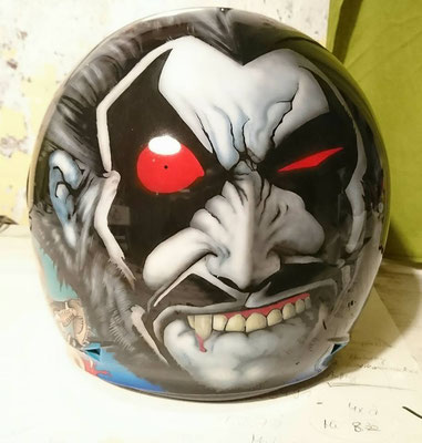 Airbrush auf Helm / Costumpainting