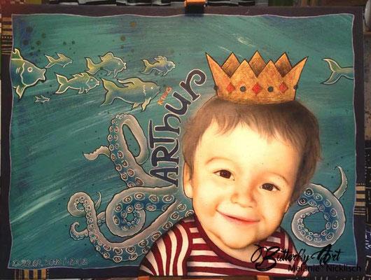 fantasievolles Kinderportrait mit Airbrush, Acrylfarbe und goldenen Akzenten
