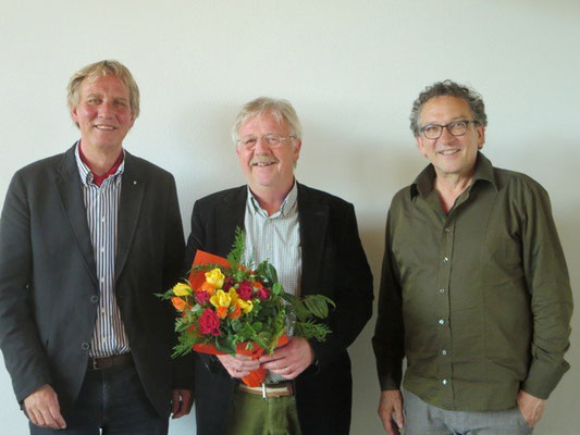 Von links: Ueli Studer Tagespräsident, Claud Barbey, Präsident Visarte Solothurn, Josef Felix Müller ZentralpräsidentVisarte Schweiz.