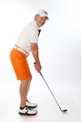 die Faszination rund um den Golfsport. Portraitfotografie. Portrait Mann.Studioaufnahmen. Fotoshooting.