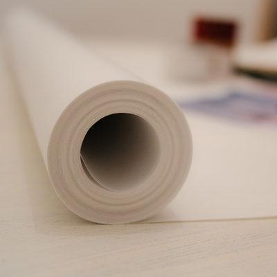 Rolle weißes Geschenk- bzw. Packpapier