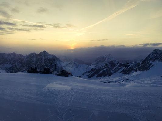 Ausblick vom Igludorf auf der Zugspitze