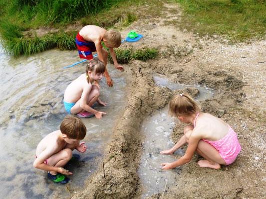 Walchsee Badestrand Ostufer - Ideal auch für Kleinkinder