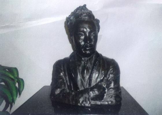 カニョンコフ作の野口英世胸像