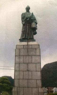 高田屋嘉兵衛銅像(函館市)