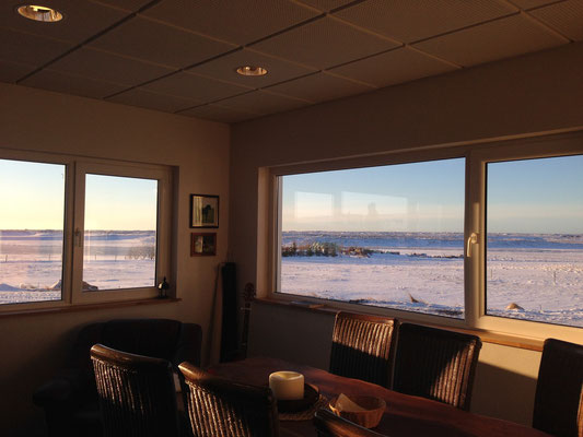 Litlaland (Kleines Land): Tolle Aussicht aus dem Künchenfenster