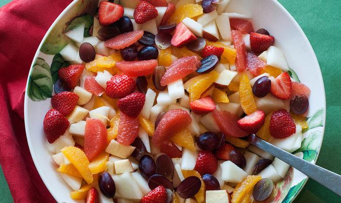 Hillside Lodge - Clifden, Connemara, Galway County, Ireland - breakfast with fruits