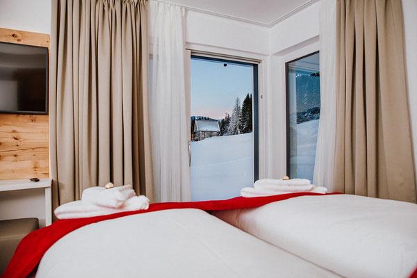 Schlafzimmer 2 Hochwurzen Suite: für 2 Personen mit Blick zur Piste