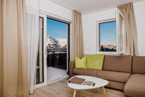 Wohnküche Appartement Reiteralm mit Aussicht Richtung Dachstein