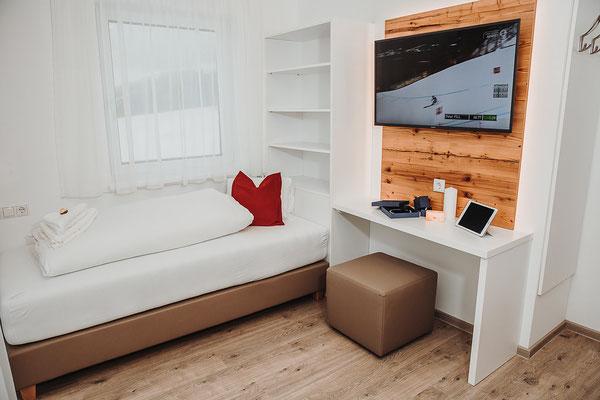 Schlafzimmer 3 Einzelbett  Hochwurzen Suite: für 2-3 Personen