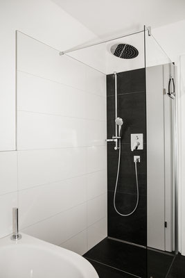 Badezimmer Dusche Hochwurzen Suite