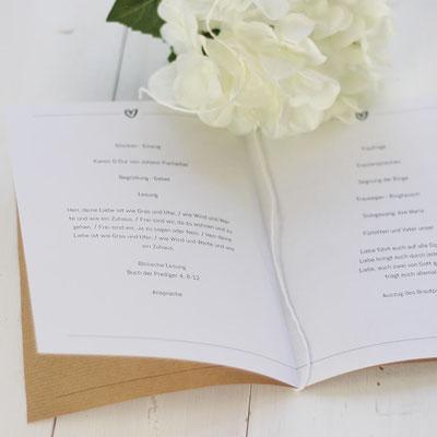Das Kirchenheft für deine Hochzeit kannst du selbner machen: Herunterladen, mit euren Daten füllen und ausdrucken. www.die-kleine-designerei.com