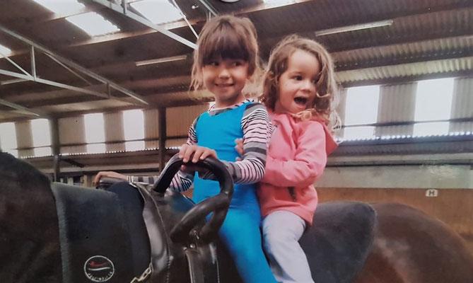 Sina mit Ihrer Schwester Greta