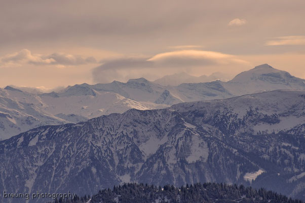 hirschberg / lake tegernsee: typical cloud pattern within a warm front (foehn)
