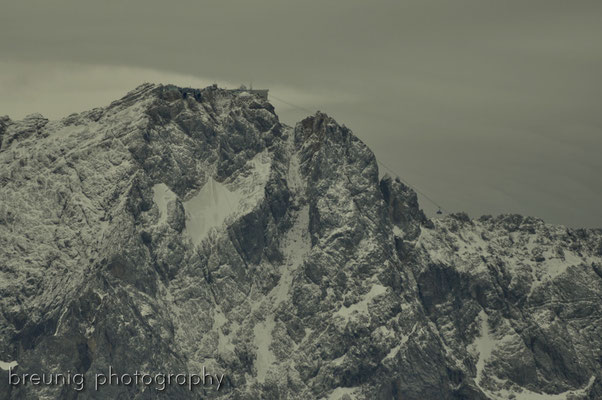 mountains in grey - wetterstein: peak of zugspitze