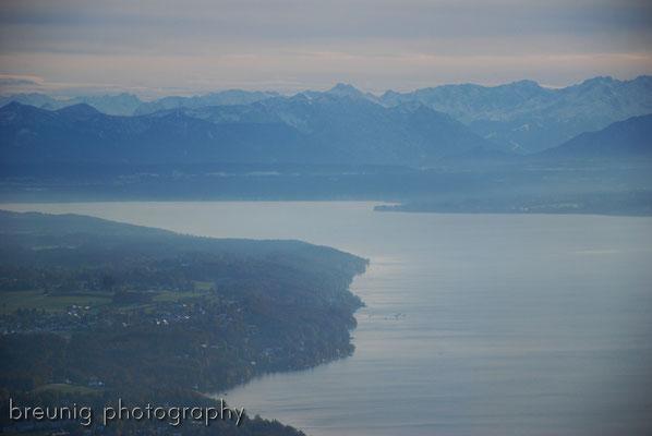 pleasure panorama flight II: crossing lake starnberg