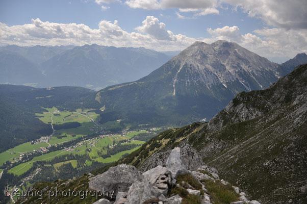 gehrenspitze / wetterstein II - view to ahrenspitze