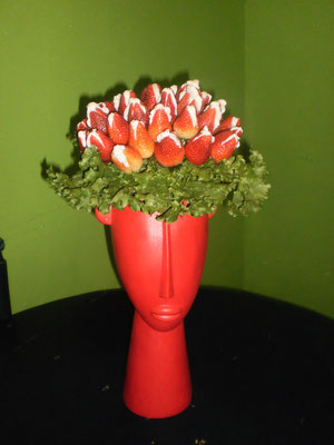 B 10      $ 700  Fresas Rellenas de Queso philadelphia, cajeta, Crema de Avellana, Mantequilla de mani