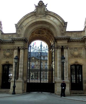Einfahrt Elysée-Palast