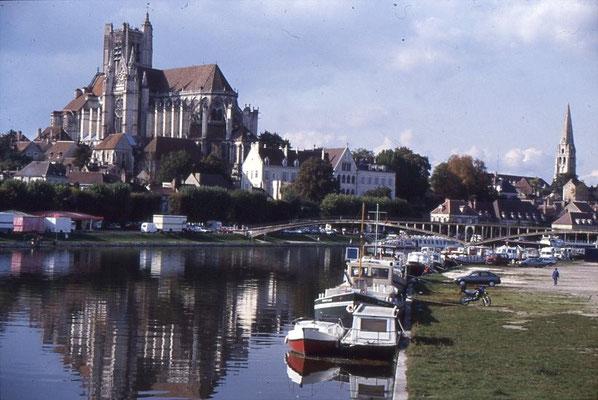 Auxerre im Spiegel der Yonne