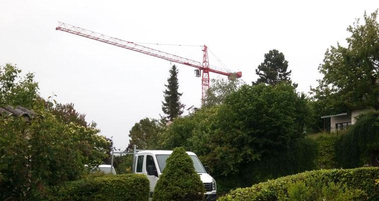 +++ Bilder vom Aufbau des Turmkrans im Hinterdorf +++