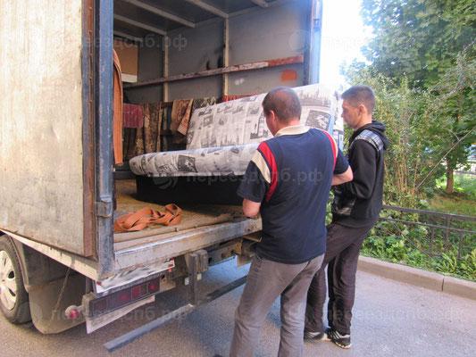Перевезти мебель в СПб
