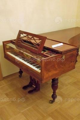 Перевозка роялей с грузчиками