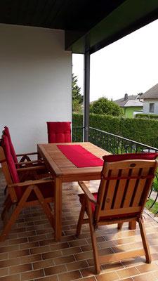 Terrasse mit Insektenvorhang