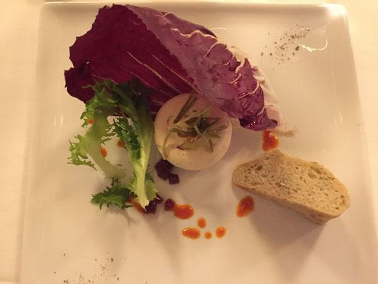 Mousse vom Räucherfisch mit hausgemachtem Kräuterbaguette