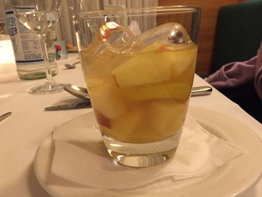 Erfrischender Apfeleistee