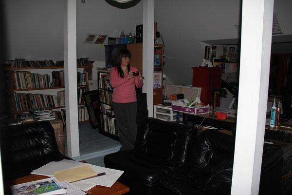 Mélanie qui prend de multiple photos au 3e étages
