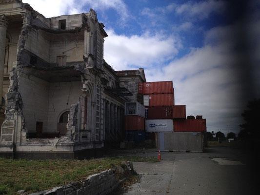Basilika CHC gestützt durch Container